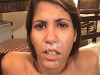 Brésilienne ado de Copacabana a du sperme sur la bouche