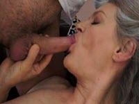 Salope grand-mère baisée par le petit-fils